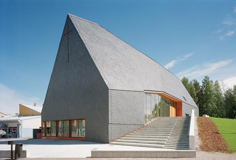 dzn_Kuokkala-Church-by-Lassila-Hirvilammi-3