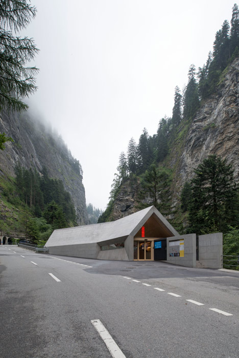 New-Visitors-Center-in-the-Viamala-Gorge-by-Iseppi-Kurath_dezeen_19