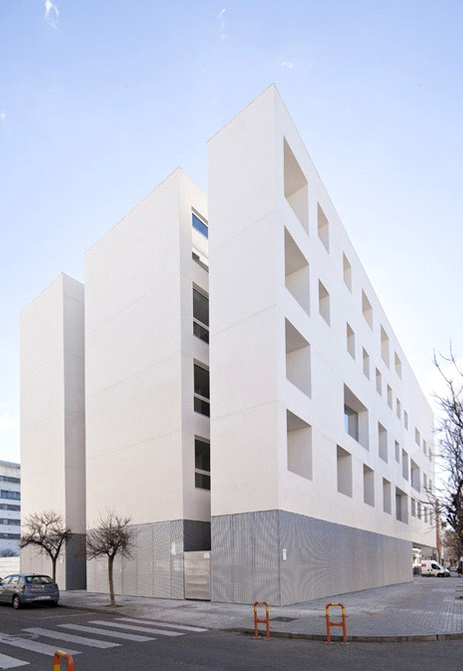 rafael-de-la-hoz-education-center-university-of-cordoba-designboom-06