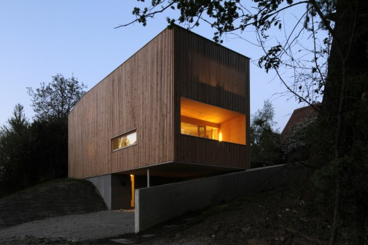 52aa6b81e8e44ee88f000067_house-j-t-juri-troy-architects_troy_efhjt_01-530x353