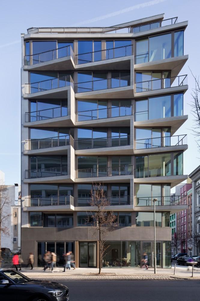 5410df7ac07a80dfae00008b_apartments-charlotte-michels-architekturb-ro_wh1485-1141-mod-666x1000