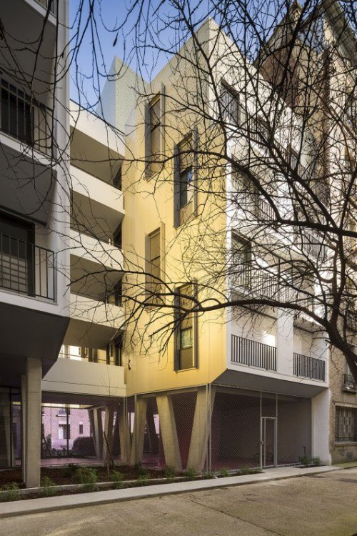 554983c9e58ece423b000013_passage-de-melun-ga-tan-le-penhuel-architecture_glp_melun_04_sergio_grazia-530x795