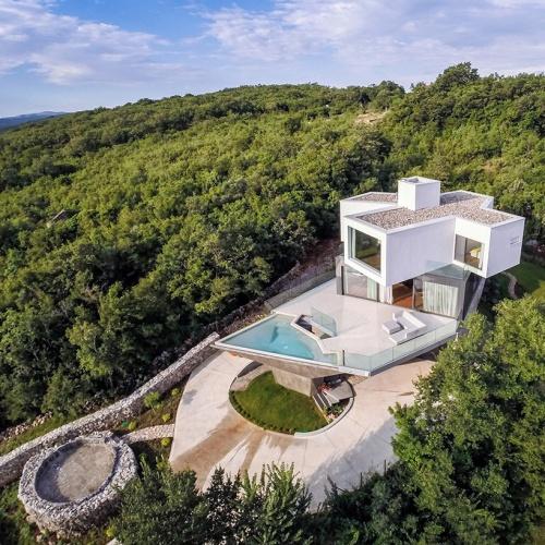 idis-turato-architecture-gumno-house-croatia-designboom-01
