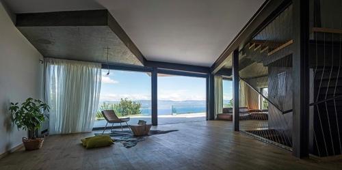 idis-turato-architecture-gumno-house-croatia-designboom-05