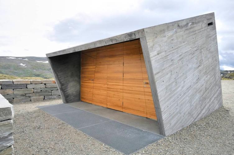 Toalettbygget pŒ rasteplassen Flotane pŒ fjellet mellom L¾rdal og Aurland, Nasjonal turistveg Aurlandsfjellet. Arkitekt: Lars Berge / LJB AS ©Foto: Steinar Skaar / Statens vegvesen