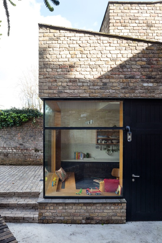 brick-addition-noji-architects-02