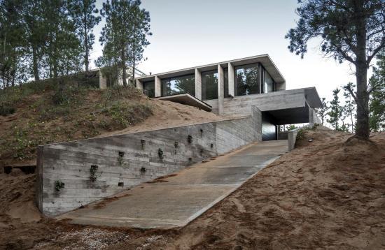 wein-house-besonias-almeida-arquitectos-02