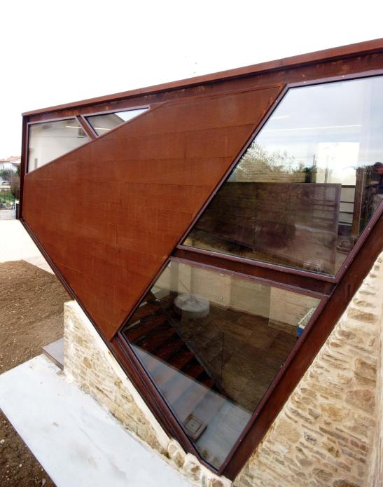 19th-century-home-corten-addiction-rocco-valentini-architecture-02