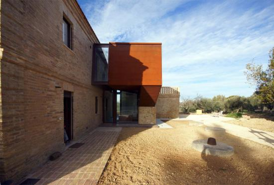 19th-century-home-corten-addiction-rocco-valentini-architecture-03