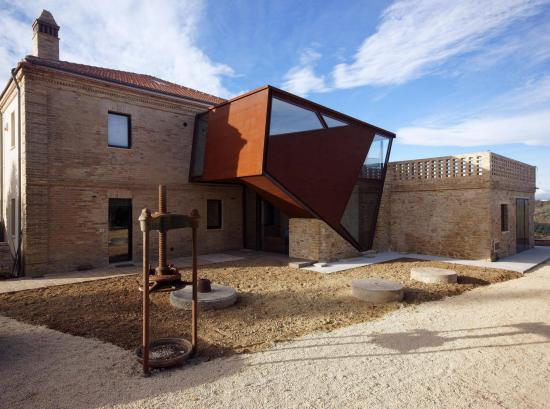 19th-century-home-corten-addiction-rocco-valentini-architecture-04