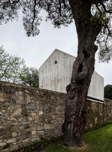 dovecote-braga-portugal-azo-arquitectos-08
