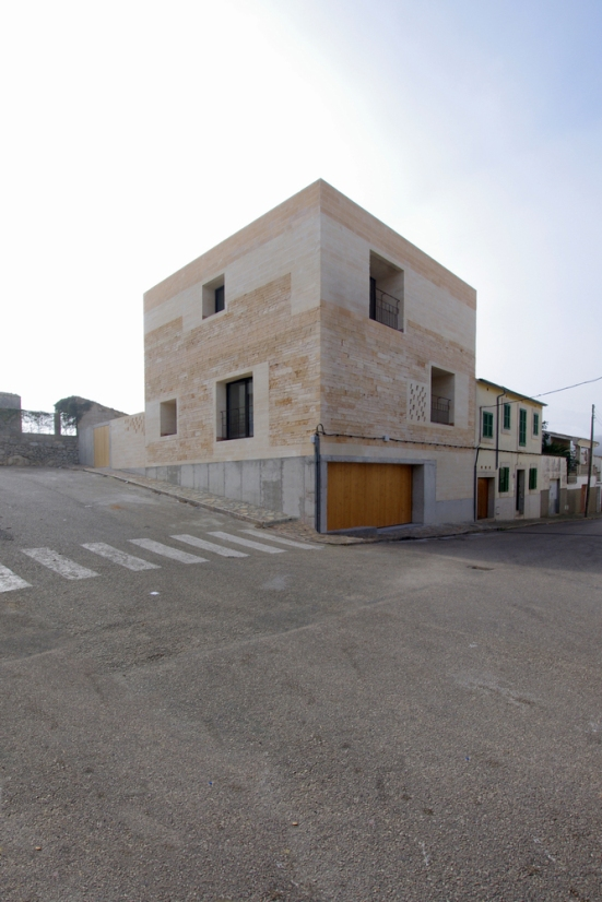 jordi-and-africa's-house-TEd'A-arquitectos-spain-01