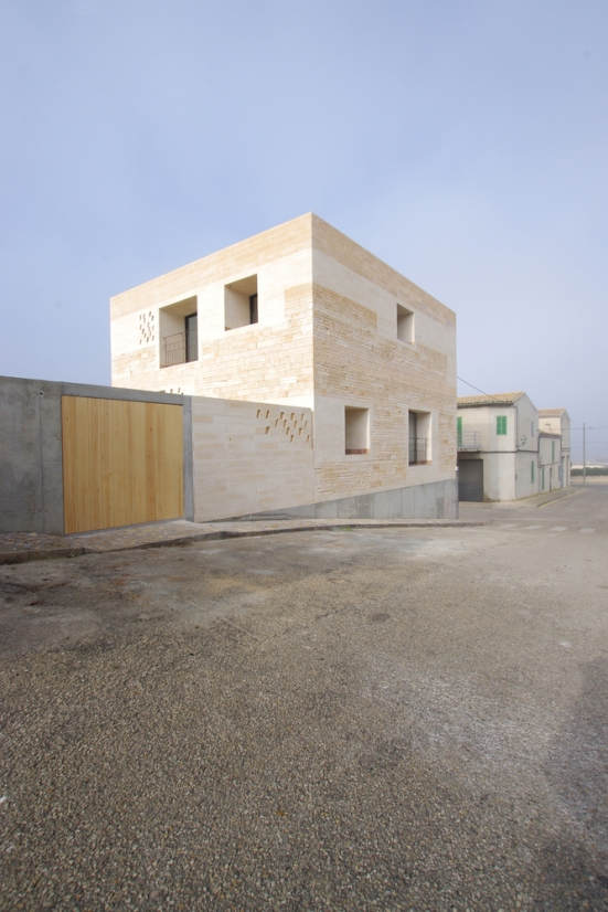 jordi-and-africa's-house-TEd'A-arquitectos-spain-03