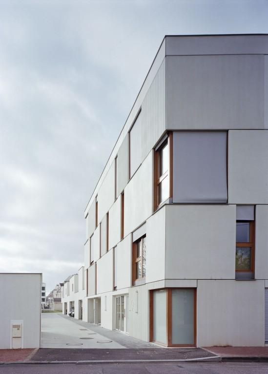 djion-concrete-housing-aterliers-o-s-architectes-04