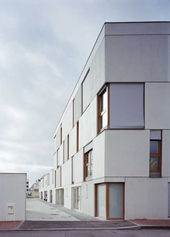 djion-concrete-housing-aterliers-o-s-architectes-04