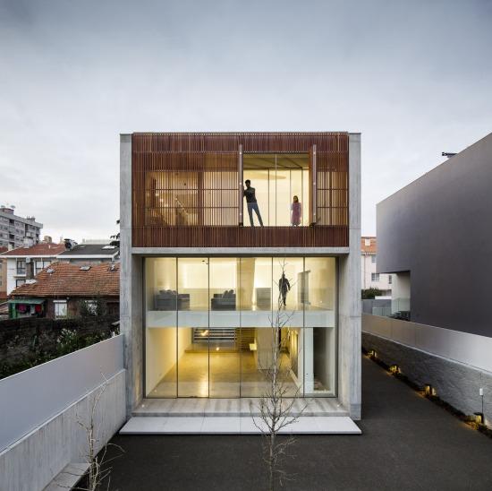 house-in-bonfim-sequeira-arquitectos-associados-01