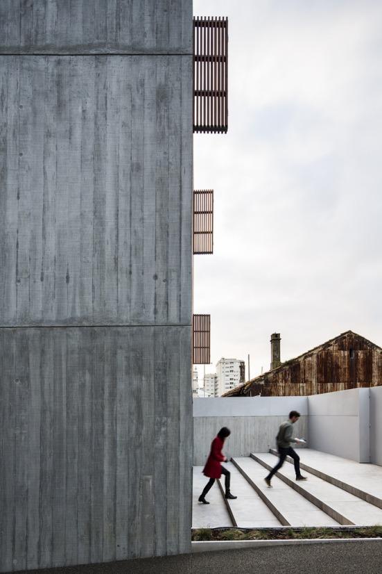house-in-bonfim-sequeira-arquitectos-associados-03
