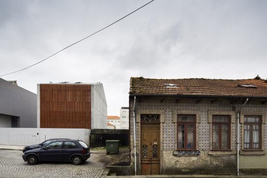 house-in-bonfim-sequeira-arquitectos-associados-06