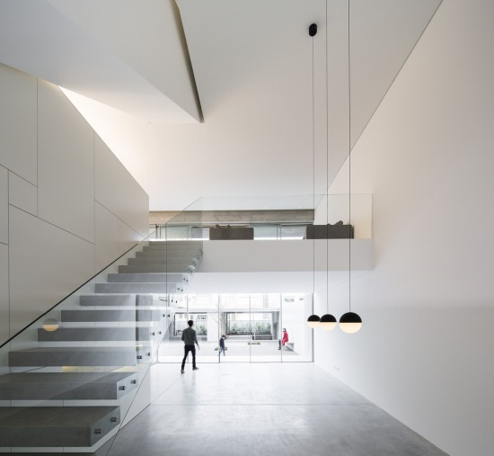 house-in-bonfim-sequeira-arquitectos-associados-07