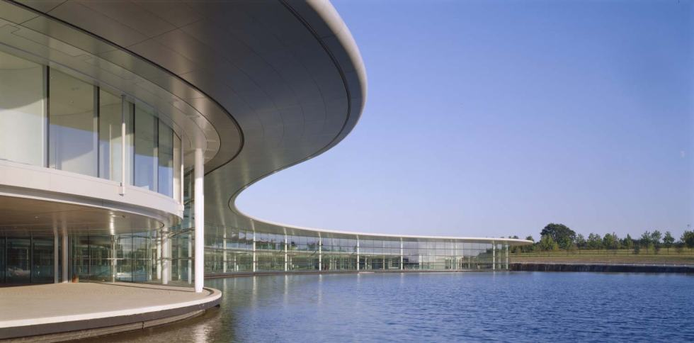 mclaren_tecnology_centre_foster_and_partners