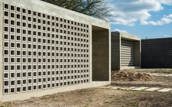 concrete-house-argentina-augustin-lozada-02
