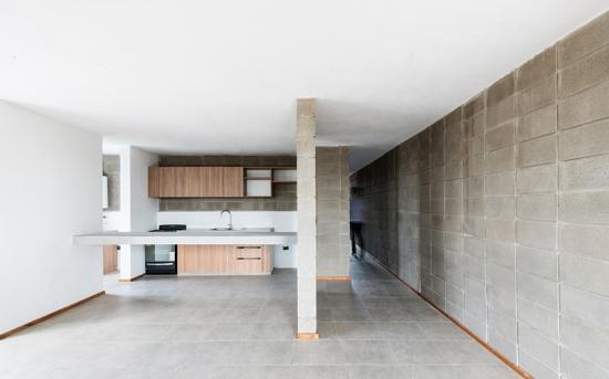 concrete-house-argentina-augustin-lozada-05