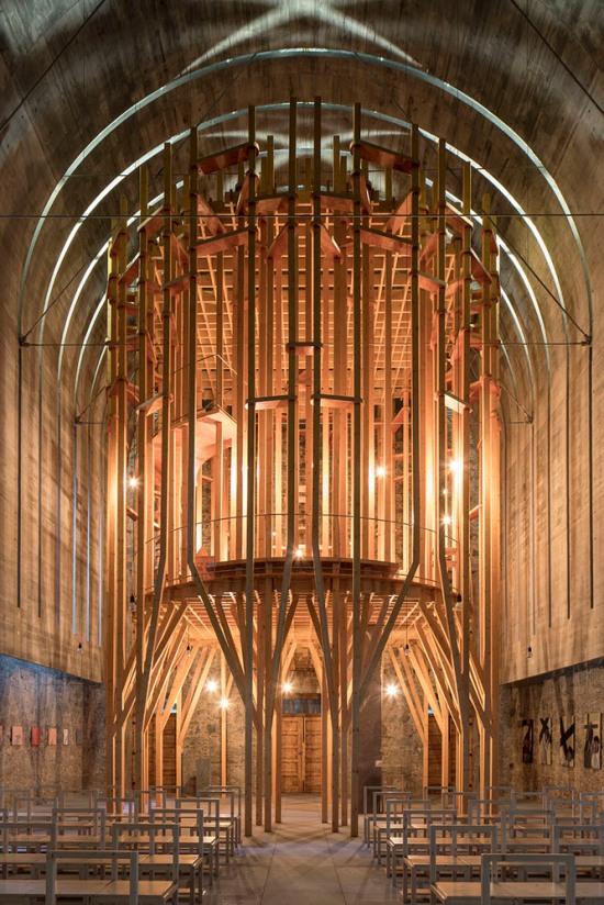 imaculada-and-cheia-de-graca-chapel-carejeira-architects-01