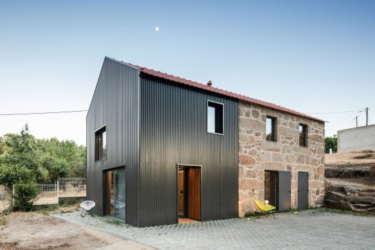 renovation-portugal-farmhouse-stone-startfortalents-02