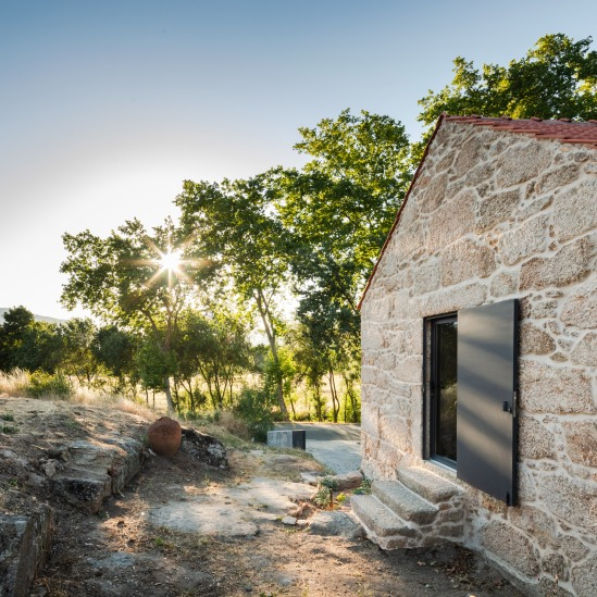 renovation-portugal-farmhouse-stone-startfortalents-03