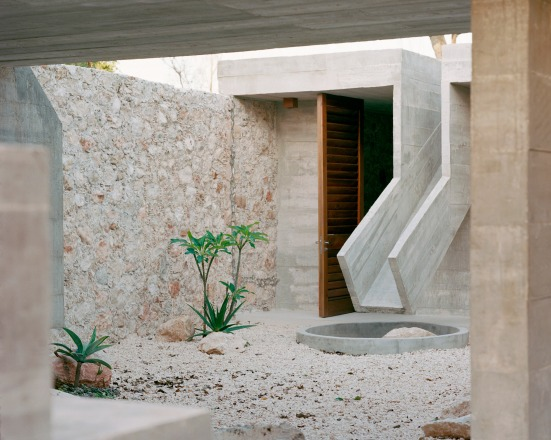 concrete-house-ludwig-godefroy-rory-gardiner-mexico-startfortalents-04