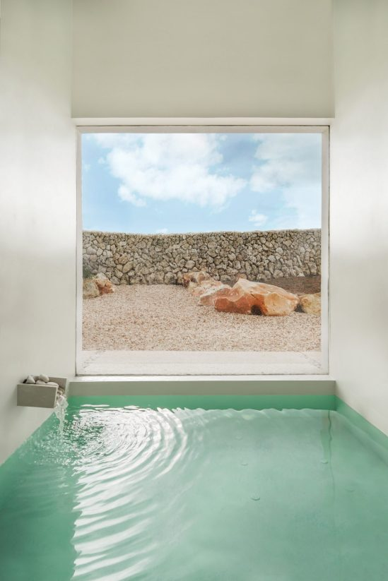 white-house-menorca-senabre-architects-06